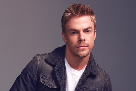 Derek Hough Has Emergency Surgery to Remove Appendix